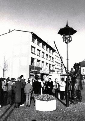 Einweihung Denkmal - De Monn mit da long Stong