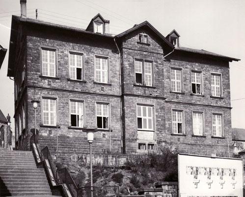 Kirchenschule in Dudweiler um 1960, Scheidter Straße