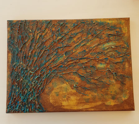 Baum mit Heißkleber aufgetragen und Acrylfarbe bemalt