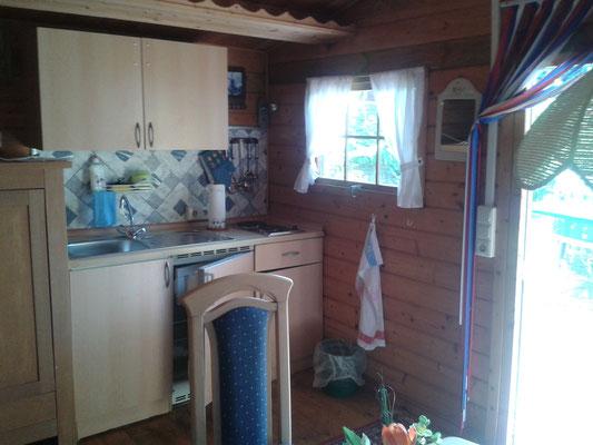 Wohnküche Blockhaus 02