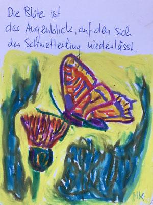 Die Blüte ist der Augenblick, auf den sich der Schmetterling niederlässt