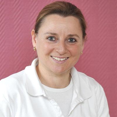 Mitarbeiterin der Zahnarztpraxis