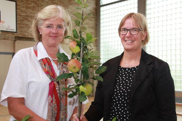 """Bereichsleiterin beim """"Kleinen Muck e.V."""" Gabriele Hagedorn-Schulte (li.) und OGS-Leiterin Katja Weich"""