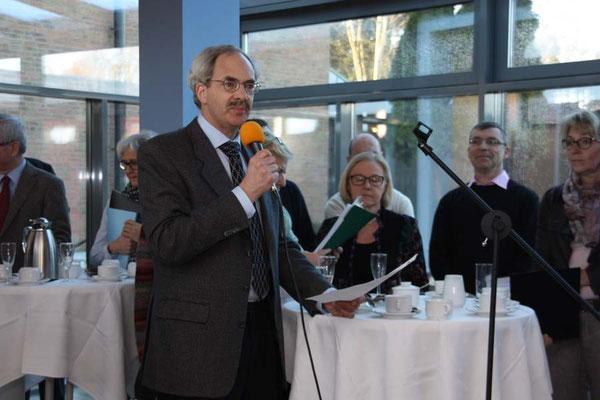 Dr. Weinandy bei seiner Begrüßungsansprache