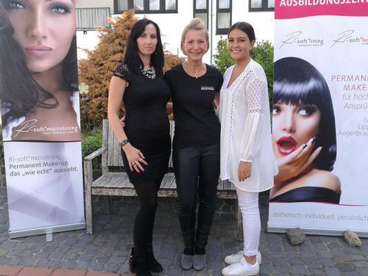 Ute Zwick (Mitte) mit ihrem Team (Kosmetikstudio Hautnah)