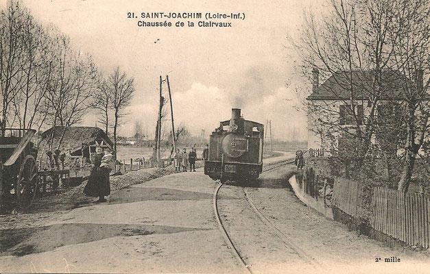 Saint-Joachim, chaussée de la Clairvaux - passage d'un train