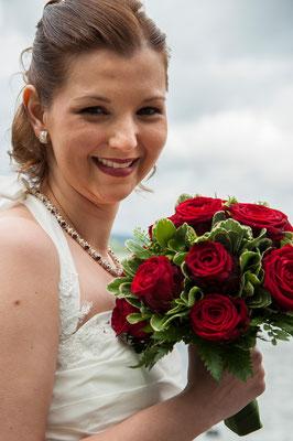 Wunderschöne Braut, passendes Schmuckstück!