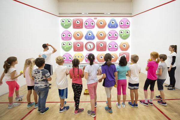 interactive Fun Court: Für Familien, Schulklassen, Firmenevents - egal, ob groß oder klein.