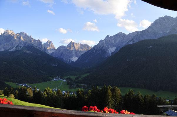 the view  Aussicht Sommer  Dolomiti