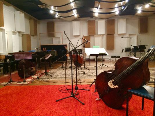 Bass hoch 3 im Studio