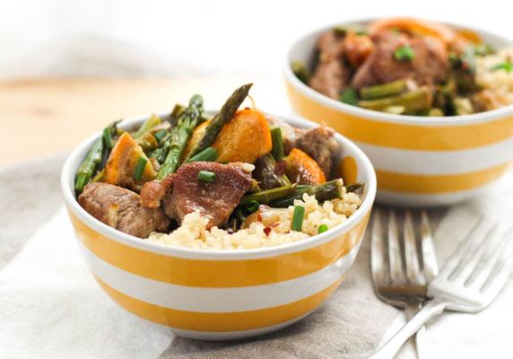 Garlic-orange pork and asparagus bowls recipe