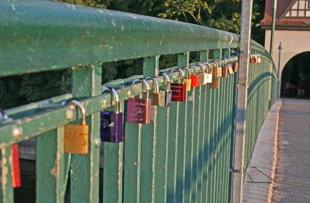 """Brücke zur """"Insel der Jugend"""""""