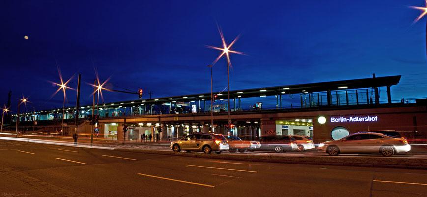 Bahnhof Adlershof zur blauen Stunde