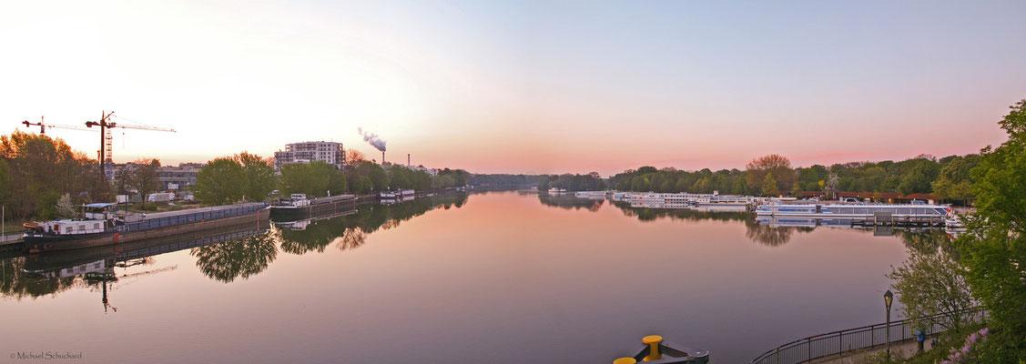 Treptower Hafen zum Sonnenaufgang