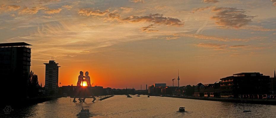 Blick von der Elsenbrücke zum Sonnenuntergang