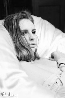 séance photo portrait studio ; portrait femme ; portrait noir et blanc ; photo boudoir ; portrait oise ;  portrait picardie