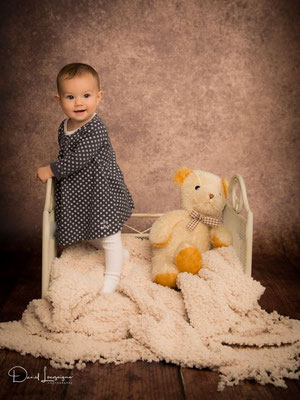 Shooting photo bébé avec Louise 8 mois, Studio Danimages dans le sud de l'Oise au portes du Val d'Oise
