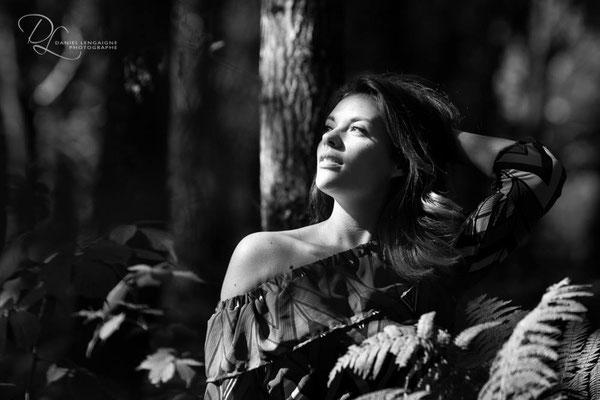 portrait femme ; portrait noir et blanc ; portrait oise ;  portrait picardie ; portrait extérieur