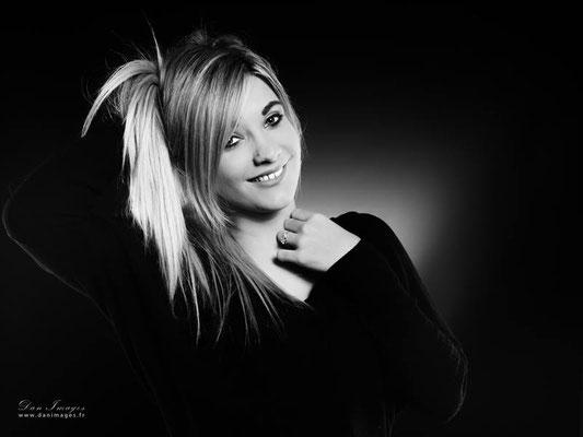 séance photo portrait studio ; portrait femme ; portrait noir et blanc ; portrait oise ;  portrait picardie