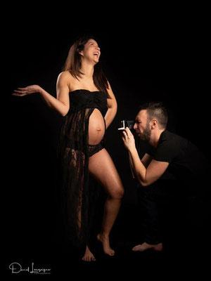 séance photo grossesse famille 3 ; studio danimages; situé dans l'oise aux portes du Val d'Oise; humour