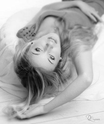 ; séance photo portrait studio ; portrait femme ; portrait noir et blanc; portrait oise ;  portrait picardie