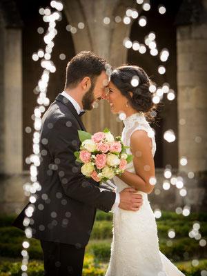 photo de couple de mariés - entre les gouttes