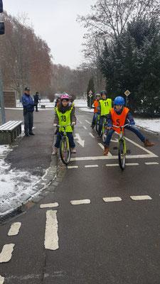 Fahrradprüfung der Klasse 4 - 4