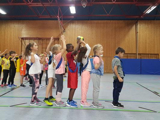 Handball Aktionstag an de Steinenbergschule in Stuttgart-Hedelfingen mit der HSG Oberer Neckar