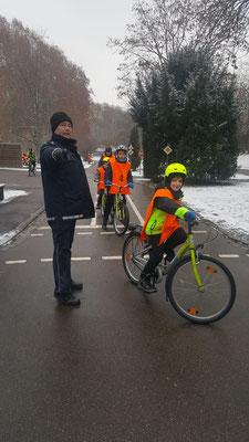 Fahrradprüfung der Klasse 4 - 1