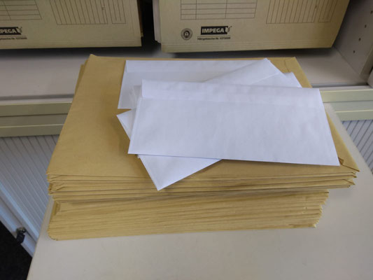 Lernpakete: Wir verschicken Lernpakete z.B. an die Kinder, die kein Internet haben