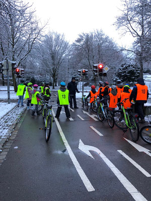 Fahrradprüfung der Klasse 4 - 6