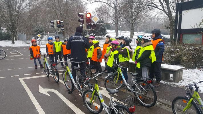 Fahrradprüfung der Klasse 4 - 3
