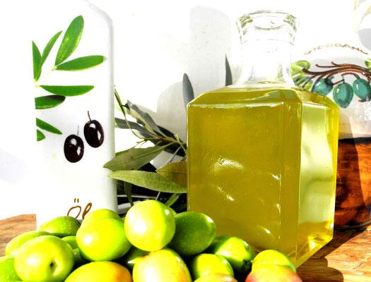 Olivenöl extra nativ-frisch von der Ölmühle