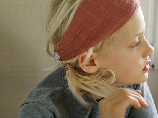 Unser handgemachtes Musselin Haarband in Hell-Terrakotta / Our Handmade Double Gauze Bandana Light Terracotta / Musselin-Haarband Rot / Muslin Bandana Red / Musselin-Stirnband Rot / Double Gauze Headband Red / Haarband Damen Frauen / Bandana Ladies