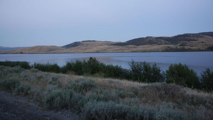 am Douglas Lake vorbei beim Eindämmern