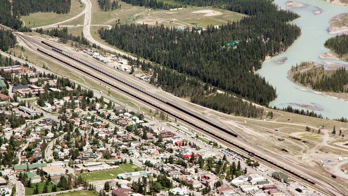 Der Bahnhof von Jasper. Auch hier sind die Perrons zu kurz...!
