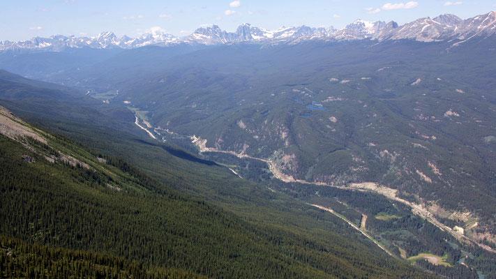 Der Blick westwärts Richtung Mt. Robson, dem höchsten Gipfel der Rockys