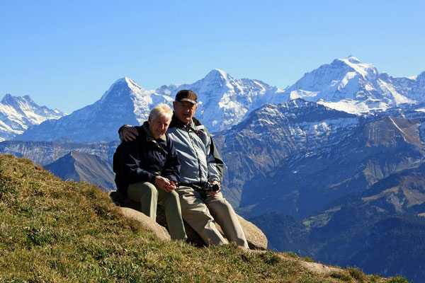 Paula u Heiri vor de wäutberüehmte drei Bärner Oberländer