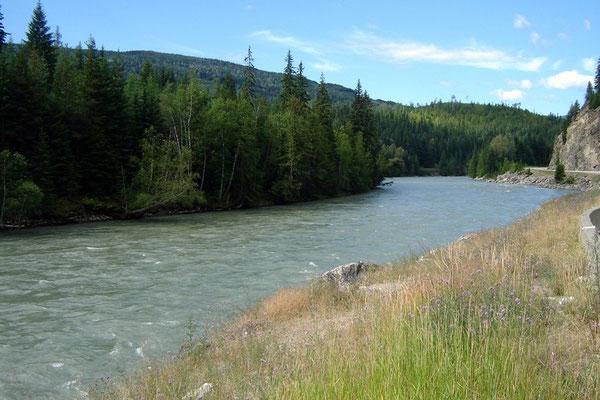 ... dem Thompson River entlang.