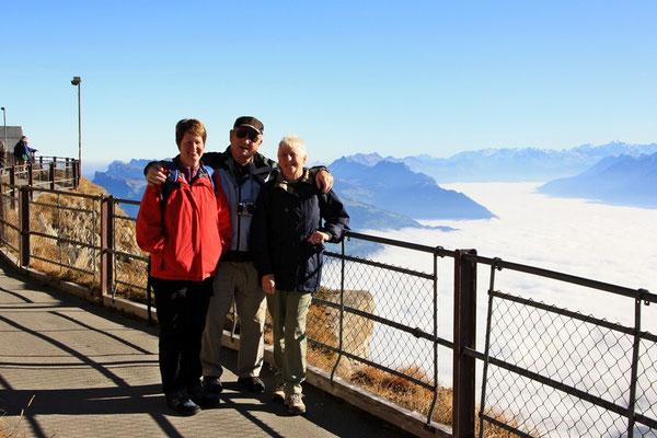 Ume mau es herrleches Bärner-Alpe-Panorama gniesse