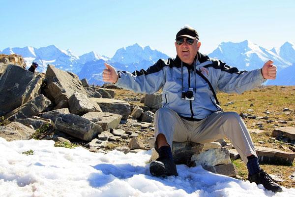 Dr Heiri gniesst dr Schnee