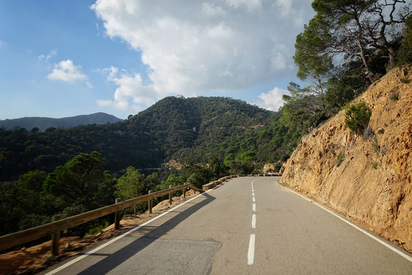the road to Tossa de Mar