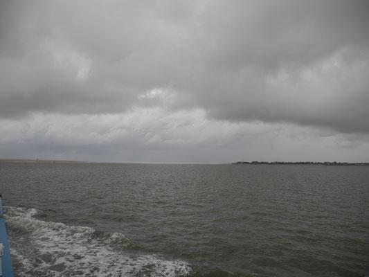 links Norderney, rechts Baltrum