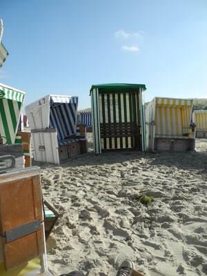Zwischenstop in der Strandkorbburg - wir sind die ersten!