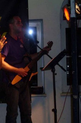 Feuerwehrfest aus dem Jahr 2010 mit Yamaha Silent Guitar