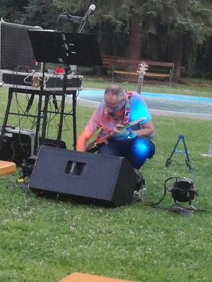 Open Air Konzert beschäftigt mit Bühnenaufbau