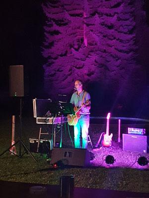 Live Austropop Musik beim Badebuffet in Pulkau