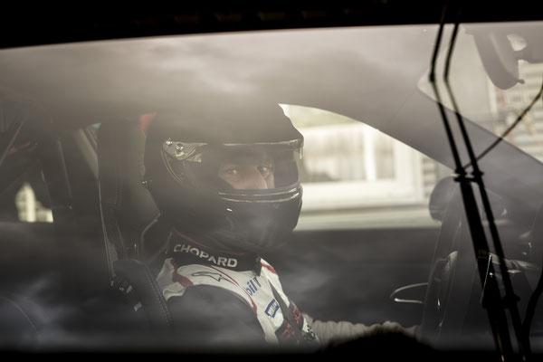 Porsche tesst track / Uwe Mansshardt