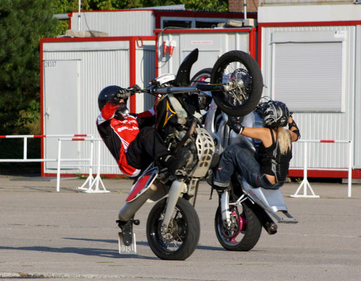 Uwe Mansshardt / stunt-girl.net