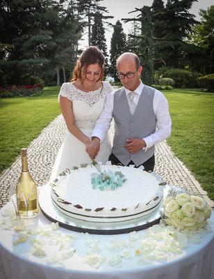 MCWED Foto e Video fotografo matrimonio Pavia: taglio della torta
